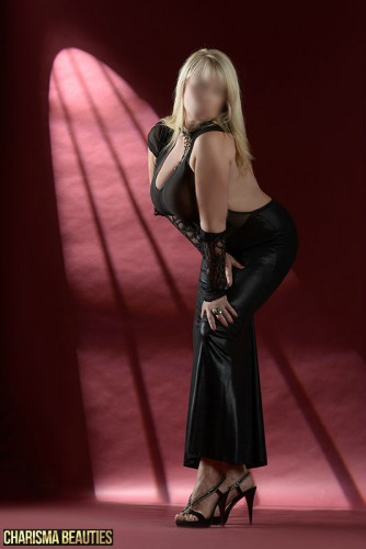 Kim German high class escort Charisma Beauties Berlin