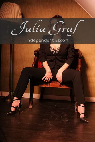 independent-escort-julia-9