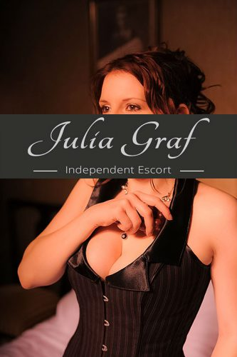independent-escort-julia-8